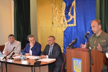 Глава Генической РГА считает, что Кабмин тормозит благоустройство сервисных зон на админгранице с Крымом