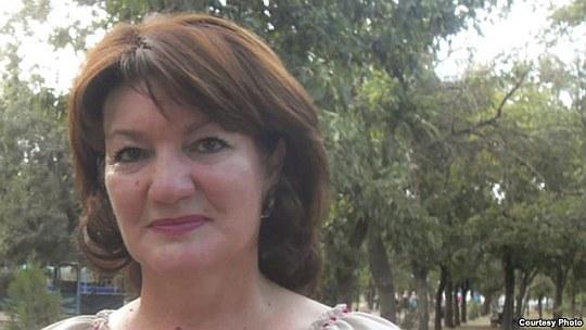 Главу райгосадминистрации поддержала и его заместитель, в свое время избранная из числа крымских татар, член Меджлиса крымскотатарского народа Гульнара Бекирова.