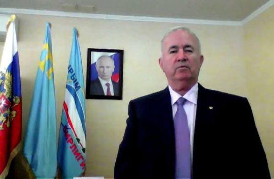 Идеологическую работу с жителямии Геническа из Крыма проводит и бывший главный регионал района Сейтумер Ниметуллаев