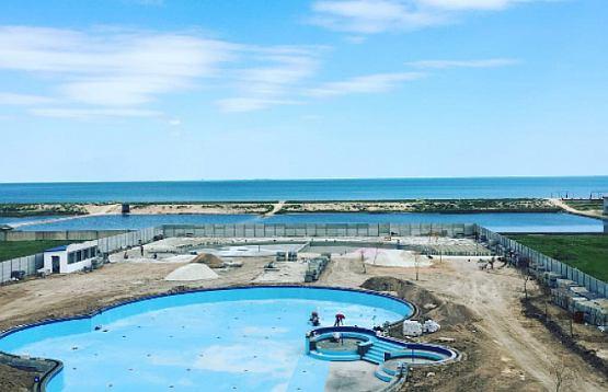 На Арабатской стрелке в селе Генгорка, на завершающей стадии находиться строительство нового аквапарка «Оазис».