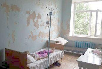Гневный пост в социальной сети «Фейсбук» опубликовала киевлянка Алина Семерякова, отдыхающая с 11-летней дочкой на Арабатской Стрелке.