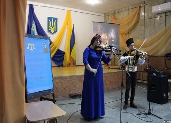 В Херсонской области 1 декабря отметили 100-летие Курултая крымскотатарского народа.
