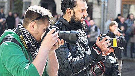 Где и кого нельзя фотографировать без разрешения в Украине - ответы юриста