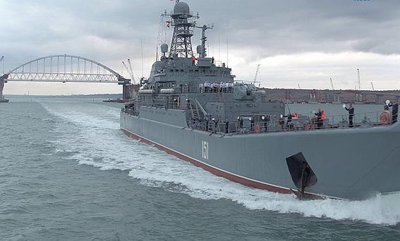 РФ обвинила Украину в пиратстве и угрожает ввести флот в Азовское море