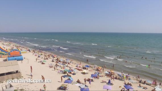 Пляж в Счастливцево - вид сверху